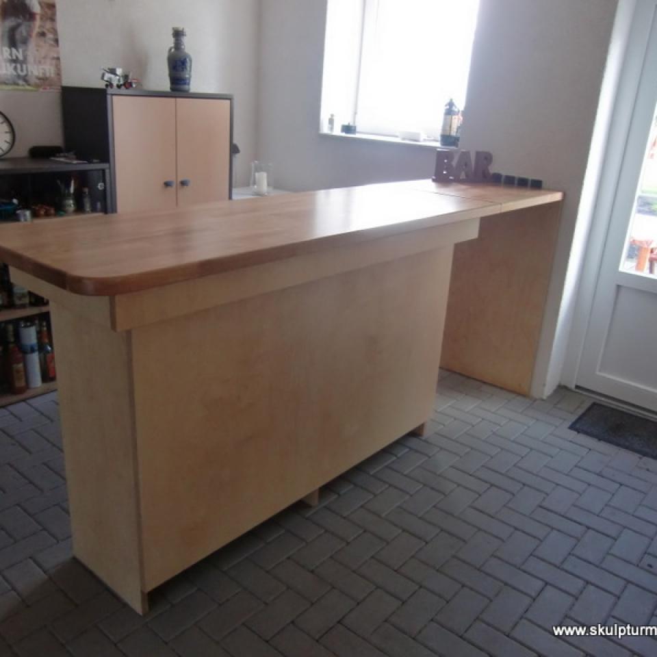 Bar, Korpus aus Multiplex mit Eichenplatte