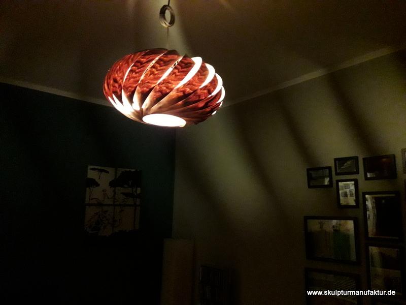Furnierlampe, Nussbaum